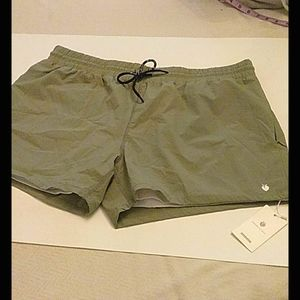 Flex Living brand Mens active shorts with liner XL